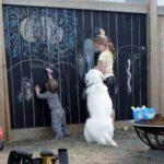 Tabla de scris pe gard