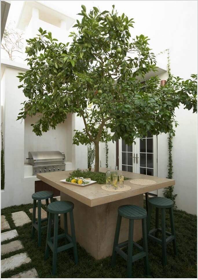 Terasa cu masa din beton