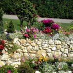 Ziduri gradina placate cu piatra de rau