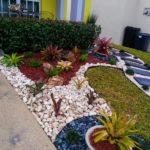 Amenajare colorata gradina