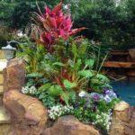 Aranjament cu flori si pietre mari