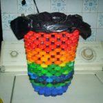 Cos de gunoi din dopuri