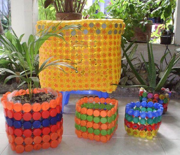 Ghivece pentru flori din dopuri