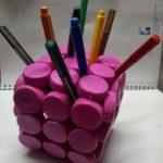 Suport creioane din dopuri