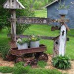 Colt de gradina cu decoratiuni rustice
