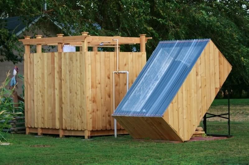 Dus in gradina cu incalzire de la panou solar