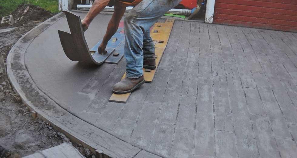Executare-alee-cu-matrite-de-beton-amprentat