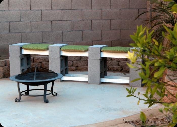 bancuta din blocuri de beton
