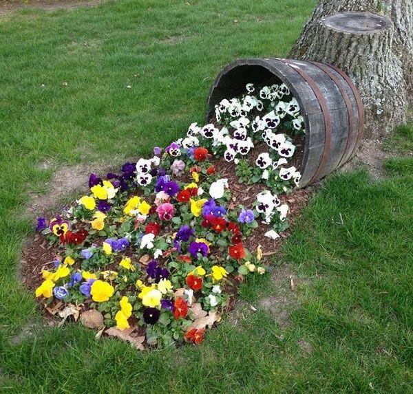ghivechi de flori rasturnat