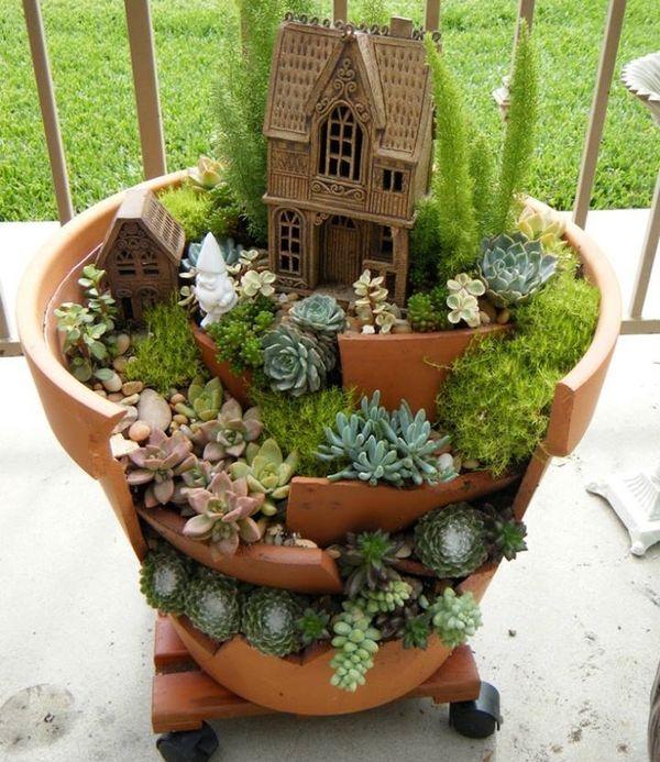 gradina in miniatura cu plante suculente