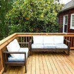 terasa din lemn cu canapele